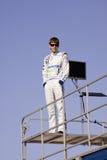 Colin Braun, das auf Rennen-Schlussteil steht Stockbilder