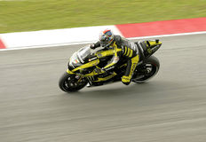 Colin Edwards takes a corner in Sepang, Malaysia Royalty Free Stock Photography