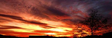 Colina colorida de la antena de la puesta del sol fotos de archivo libres de regalías