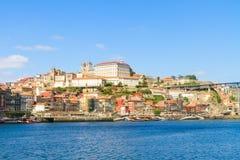 Colina con la ciudad vieja de Oporto, Portugal Imagen de archivo libre de regalías