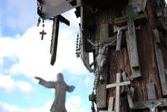 Colina de cruces, cerca de Siauliai, Lituania, detalle Fotos de archivo libres de regalías