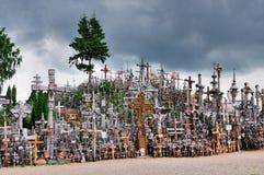 Colina de las cruces, Lituania foto de archivo