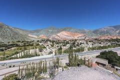 Colina de siete colores en Jujuy, la Argentina. Fotografía de archivo libre de regalías