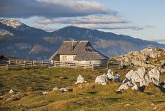 Colina de Velika Planina, Eslovenia Fotos de archivo