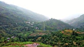 Colina y campos de colinas foto de archivo libre de regalías