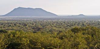 Colinas brumosas en el yermo africano Foto de archivo libre de regalías