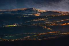 Colinas con la luz de la puesta del sol Imagen de archivo