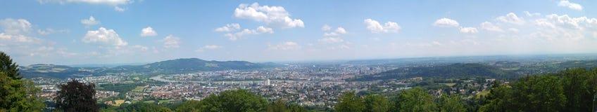 Colinas de madera de la montaña de Linz Austria imagenes de archivo