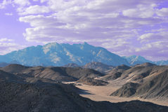 Colinas del Mar Rojo en desierto del este. Egipto Imagen de archivo