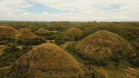 Colinas en Bohol, Filipinas, visión aérea del chocolate metrajes