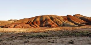 Colinas pintadas en un alto paisaje del desierto Fotos de archivo libres de regalías