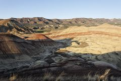 Colinas pintadas - una alta formación del paisaje del desierto Foto de archivo libre de regalías