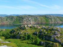 Colinas verdes del norte de Rusia fotografía de archivo libre de regalías