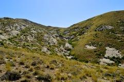 Colinas y montañas, Kadamzhai, Kirguistán Foto de archivo libre de regalías