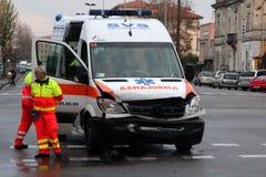 Colisão da ambulância de frente Fotografia de Stock Royalty Free