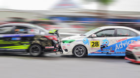 Colisões da retaguarda do carro de corridas Fotografia de Stock