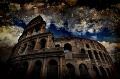Coliseu de Grunge em Roma, Italy fotografia de stock royalty free