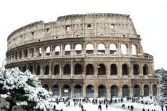 Coliseum met sneeuw, Rome. Stock Foto's