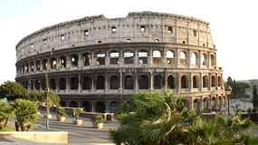 Coliseum tegen dag Royalty-vrije Stock Foto's