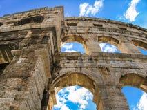 Coliseumen i Pula arkivfoton