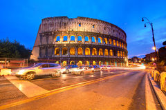 coliseumitaly natt rome arkivbilder