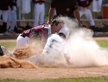 Colisión en la acción del béisbol de la High School secundaria de Homeplate Foto de archivo