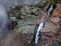 Coliumbine spadków upadki w Pawiego basen 150 cieków below od Otchłań jeziora Zdjęcie Royalty Free