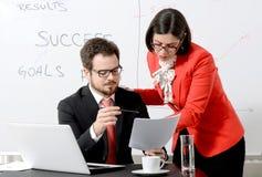 Collègues d'affaires travaillant ensemble Image libre de droits