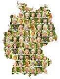 Collage all'aperto del ritratto sulla mappa della Germania immagini stock