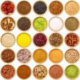 Collage aromatico dei ingradients nel fondo bianco Fotografia Stock