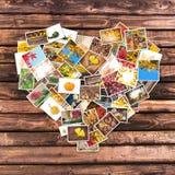 Collage autunnale del cuore delle foto, plance di legno Immagini Stock