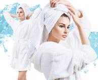 Collage av den unga kvinnan i badrock som tycker om friskhet Arkivbilder