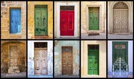 Collage av färgrika antika maltese dörrar arkivfoto