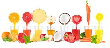 Collage av fruktsafter för ny frukt på vit bakgrund royaltyfria bilder
