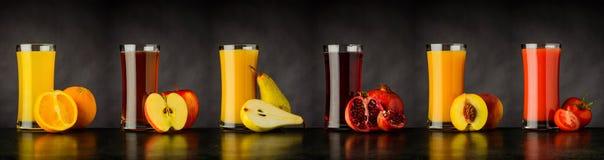 Collage av ny frukt Juice Drinks i exponeringsglas royaltyfri foto