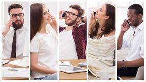 Collage av olikt folk som talar på mobil arkivbilder