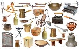 Collage con gli oggetti molto vecchi sopra bianco immagine stock