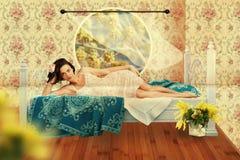 Collage con la mujer joven de la belleza, vendimia Imágenes de archivo libres de regalías
