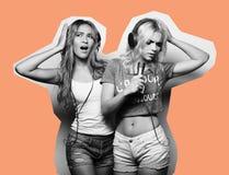 Collage de la moda del arte, muchachas de la belleza con un micrófono que cantan y baile Fotos de archivo