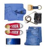 Collage de la ropa y de los accesorios del viajero aislados en el fondo blanco Imagen de archivo libre de regalías