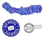 Collage de las maneras del correo del mapa de mosaico del sao Miguel Island y de los sellos del Grunge ilustración del vector