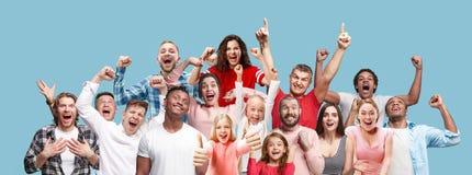 Collage de los hombres y de las mujeres felices del éxito que ganan que celebran siendo un ganador fotos de archivo