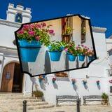 Collage de Mijas avec des pots de fleur dans les façades Village blanc andalou Costa del Sol Photo stock