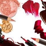 Collage dei colpi decorativi della spazzola di colore dei cosmetici su fondo bianco Bellezza e concetto di trucco Fotografia Stock Libera da Diritti
