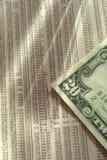 Collage dei contanti delle obbligazioni degli stock. immagini stock libere da diritti