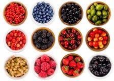 Collage dei frutti differenti e bacche isolate su bianco Fotografie Stock