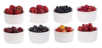 Collage dei frutti differenti e bacche isolate su bianco Immagini Stock Libere da Diritti