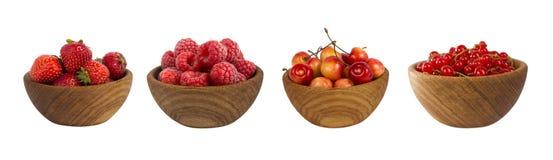 Collage dei frutti rossi e bacche isolate su bianco Immagini Stock Libere da Diritti