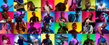 Collage dei giovani alla luce al neon su fondo multicolore immagini stock