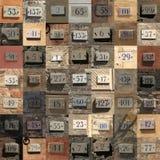 Collage dei numeri civici stagionati Fotografia Stock